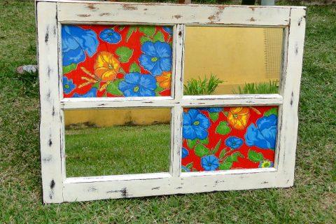 Janela, janelinha…Reutilização de janela como porta-fotos!